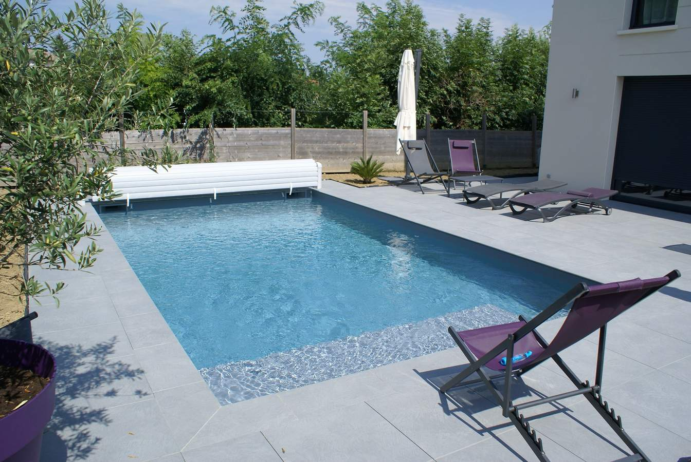 Construction piscine familiale sur mesure vienne for Piscine albertville